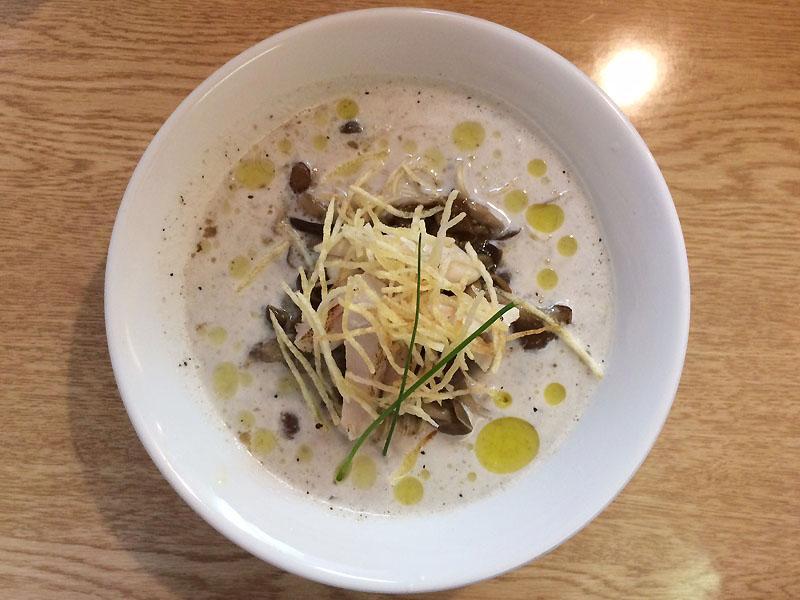 八王子 ラーメン 麺処 あずき きのこポタージュ麺 ブラックペッパー麺 限定