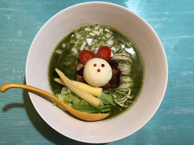 八王子 ラーメンシゲジン ほうれん草とバジルの鶏白湯ラーメン 限定